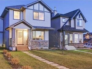 BEAUTIFUL 3BR HOME IN OKOTOKS LAKE COMMUNITY