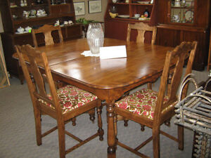 DINNING TABLE & CHAIRS Peterborough Peterborough Area image 1
