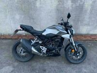 2020(69) HONDA CB300R WITH ONLY 694 MILES ON THE CLOCK
