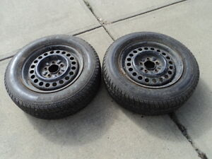 2 Motomaster All Season Tires with Steel Rims 205/65/15