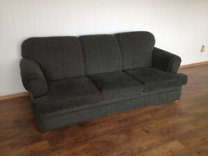 Expensive Dark Green Couch In Excelant Condition