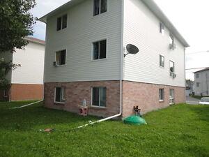 BEAU TRIPLEX. Entièrement rénové en 2012. Tous de 3 chambres! Gatineau Ottawa / Gatineau Area image 3