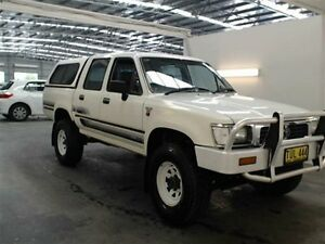 1995 Toyota Hilux (4x4) (4x4) White 5 Speed Manual 4x4 Beresfield Newcastle Area Preview