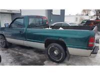 1996 Dodge Ram BR1500 FINANCEMENT AUCUN CAS REFUSER!!