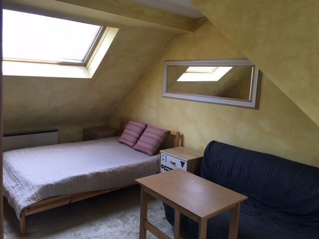 MASSIVE DOUBLE ROOM IN QUIET AND RESIDENTIAL AREA + ALL BILLS INCLUDED !!! NOW !!!