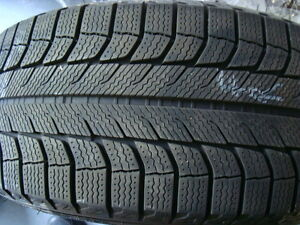 **215 65 16 Michelin X Ice XI-2 Winter Tires – Like New!*
