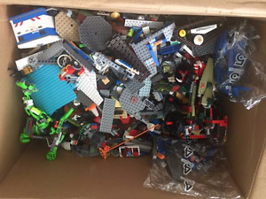 HUGE box of Lego Approximately 20lbs!!