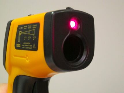 New Laser Gun Thermometer ( Batteries Incl)