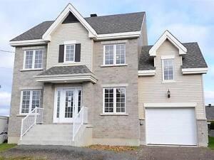 Superbe maison neuve Lachute à vendre