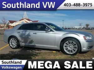 2012 Chrysler 300 Limited   **LEATHER-SUNROOF**