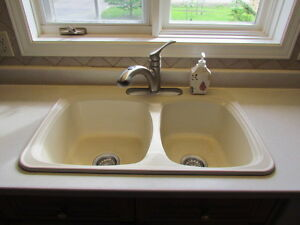 Kitchen Sink - Double - Mirolin - Ivory/Off-White - Not taps
