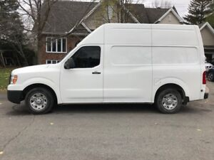 NISSAN NV2500 HIGHROOF 2012