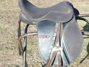 SPRING SALE - 15 IN WINTEC ENGLISH  PONY SADDLE