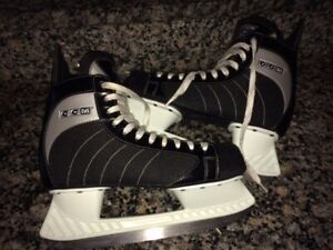 NEARLY-NEW CCM Quality Skates - Mens 9 - just $50!!!