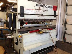 44 ton x 82 in HURCO  HYDRAULIC PRESS BRAKE (1999), C/W HURCO 7 single axis programmable BA GA. (1999)