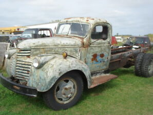1945 GMC Truck 2 ton, Cab and Chassis, 6cyl/4spd,  Hoist $2250