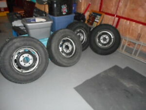 Snow Tires and Rims 235 75 15