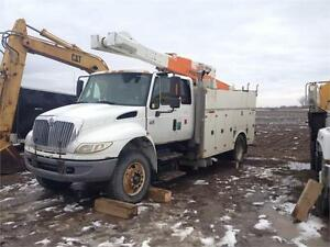 2007 International 4400 Bucket Truck Parting Out