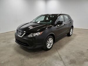 2019 Nissan Qashqai AWD S Accident Free,  Heated Seats,  Back-up