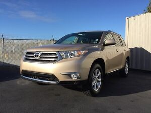 2011 Toyota Highlander  Y.E.S WAS $22,950 NOW $21,477