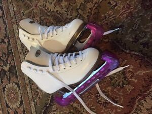 Riedell Figure Skates size y12