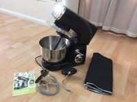 Stand Mixer - Von Shef - powerful 1200W black, excellent condition, hardly used.