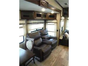 2017 Compass 377MB Luxury 2 bedroom 5th wheel - 4 slideouts Stratford Kitchener Area image 5