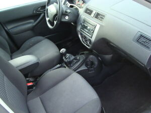 2007 FORD FOCUS SES HATCHBACK SNOW TIRES''GST INCLUDED'''' West Island Greater Montréal image 13