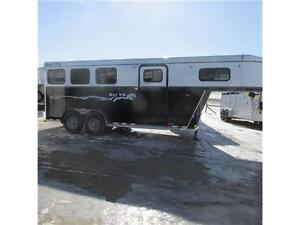 2015 Royal T 3 Horse Gooseneck Imperial X BAR T5 Trailer