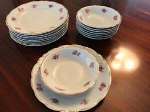 Lovely 16 piece china set - delicate floral pattern