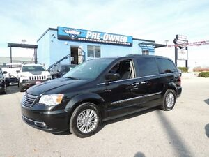 2016 Chrysler Town & Country Touring-L Windsor Region Ontario image 1