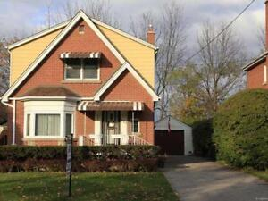 Hamilton Westdale 4-br house with garage