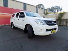 2011 Toyota Hilux KUN16R MY11 Upgrade SR White 5 Speed Manual Dual Cab Pick-up West Gosford Gosford Area Preview