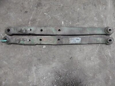 FARMALL 300 350 340 400 450 460 TRACTOR FASTHITCH 3-PT ARMS STRAIGHT PRONGS 652