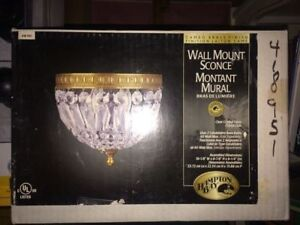 Wall mount dome light