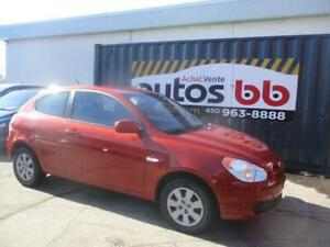 2010 Hyundai Accent ( ROULE COMME NEUF - TRES PROPRE )