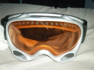 Brand new pair of Oakley ski goggles for sale