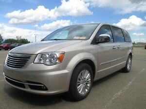 2012 CHRYSLER TOWN COUNTRY LIMITED, 3.6L V6 Engine, Lux Leather