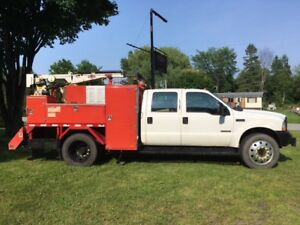2004 camion de service Ford F550 4X4 diesel / service truck