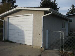 Ready For Winter?-Perfect Storage Garage Avalable in Wellington