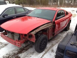 05-09 MUSTANG PARTS AND RUST FREE ROLLING CHASSIS Peterborough Peterborough Area image 2