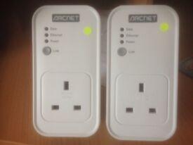 Arcnet 200Mbps passthrough Powerline Adaptors (2)