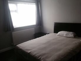 Spacious and modern double room for rent, all bills included