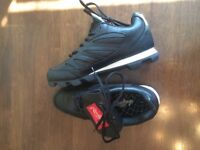 New Rawlings Cleats Size 7