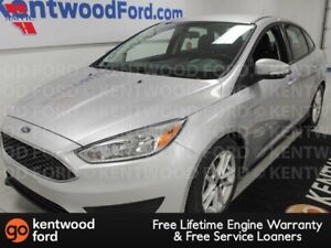 2015 Ford Focus SE with power seats, keyless entry and a back up