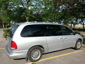 Chrysler town country 2000 Limited