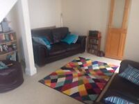 Double room to rent in Torquay. Quiet but central location