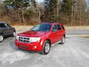 2010 FORD ESCAPE XLT 4WD...LOADED WITH LEATHER & SUNROOF!!