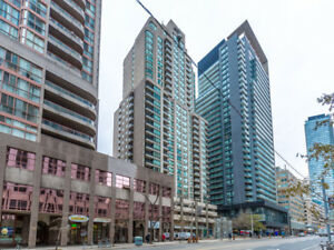 Large Immaculate Unit in Highly Desirable Bay & College Park