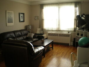 CLEAN 1 Bedroom Apartment on Wellington Heights